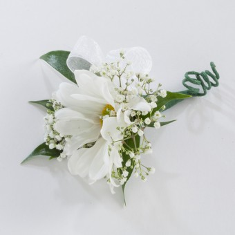 Single Daisy Boutonniere